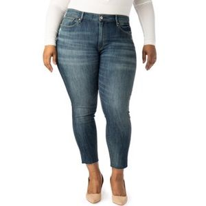 NWT Signature by Levi Strauss & Co